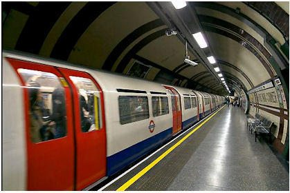 london-underground-train.jpg