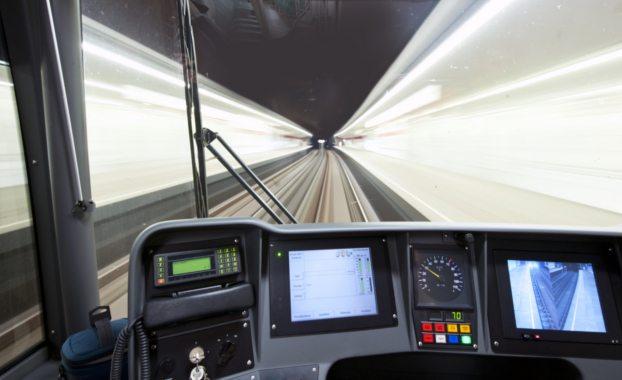 London-underground-train-driver-driving