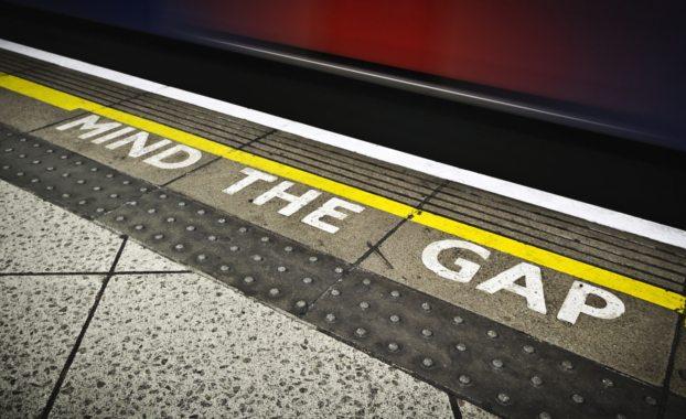 London-underground-train-driver-mind-the-gap