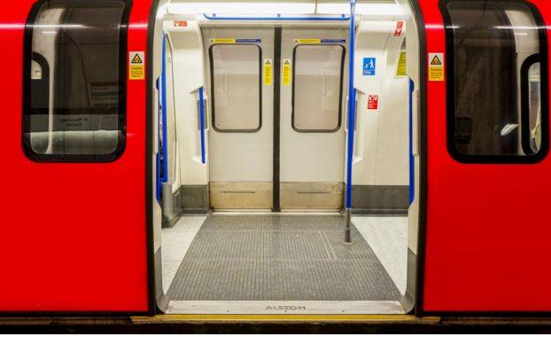 London-underground-train-driver-train-doors
