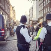 Want to pass the met police detective direct entry application process? Check out our tips!