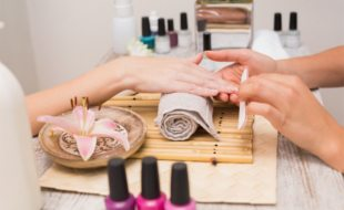 How To Become Mobile Nail Technician In 2020 How2become