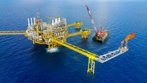 The top 10 highest paying jobs that don't require a degree 2 - Offshore Oil Worker