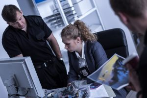 The top 10 highest paying jobs that don't require a degree 8 - Detective Inspector